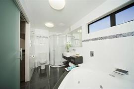 85451_004_Guestroom