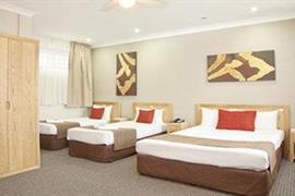 90912_001_Guestroom