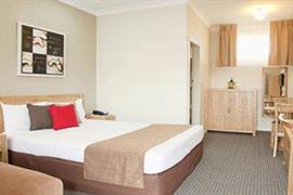 90912_004_Guestroom