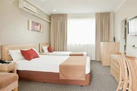 90912_005_Guestroom