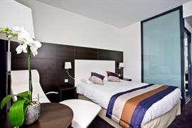 93686_002_Guestroom
