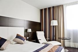 93686_005_Guestroom