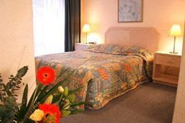 97275_006_Guestroom