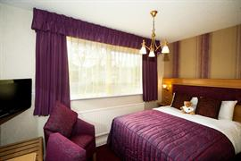 fir-grove-hotel-bedrooms-06-83688