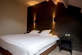 92642_003_Guestroom