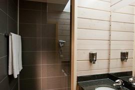 92642_006_Guestroom