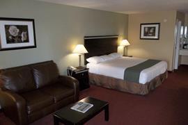 44438_004_Guestroom
