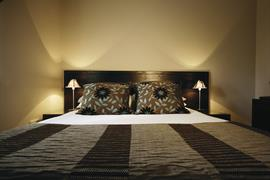 forest-lodge-bedrooms-03-83692