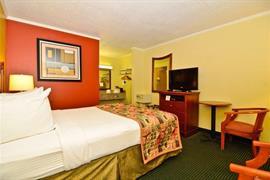 43070_007_Guestroom