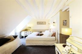 93160_002_Guestroom