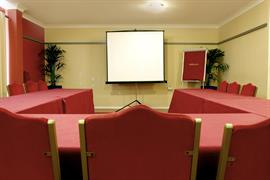 garden-court-hotel-meeting-space-01-83991