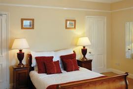 gatehouse-hotel-bedrooms-03-83883