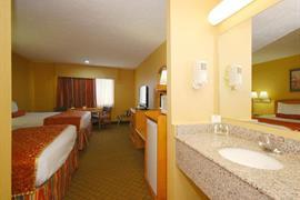 25077_007_Guestroom