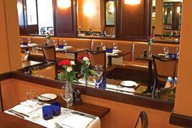 george-hotel-dining-08-83651