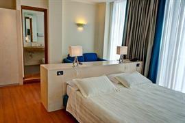 98242_007_Guestroom