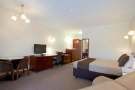 90372_007_Guestroom