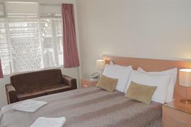 97173_005_Guestroom