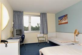 95424_003_Guestroom
