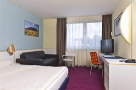 95424_004_Guestroom