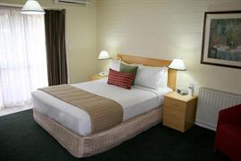 90938_005_Guestroom