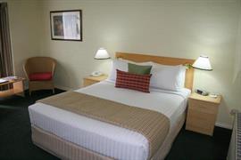 90938_007_Guestroom