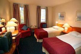 88098_006_Guestroom