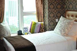 78683_007_Guestroom