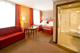 81025_007_Guestroom