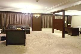 78698_007_Suite