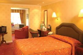 grasmere-red-lion-hotel-bedrooms-02-83397
