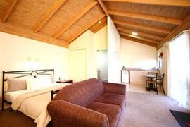 97121_005_Guestroom