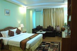 99701_006_Guestroom