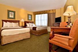 33124_006_Guestroom