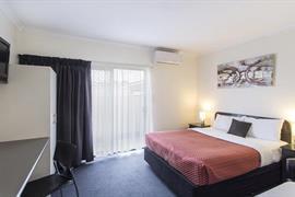 97431_004_Guestroom