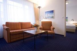 95204_005_Guestroom