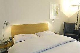 78642_001_Guestroom
