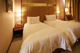 78642_004_Guestroom
