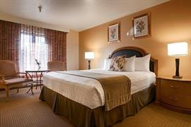 05444_004_Guestroom