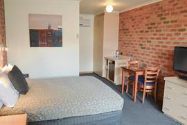 90789_005_Guestroom