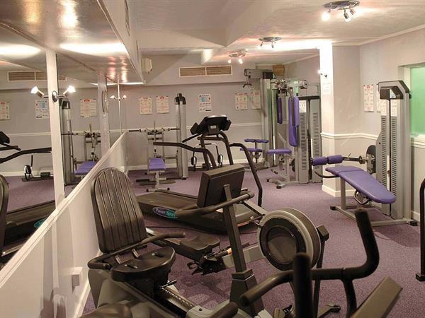heronston-hotel-leisure-01-83481