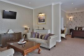 heronston-hotel-bedrooms-21-83481