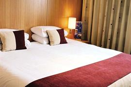 hilcroft-hotel-bedrooms-02-83482