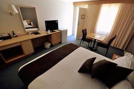 90919_006_Guestroom