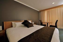 90919_007_Guestroom