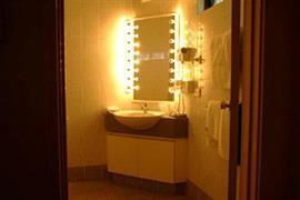 90902_004_Guestroom