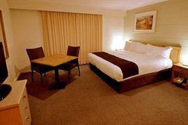 90903_005_Guestroom