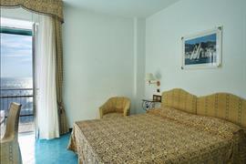 98229_007_Guestroom
