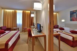 98315_005_Guestroom