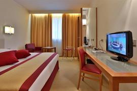 98315_006_Guestroom