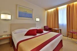 98315_007_Guestroom